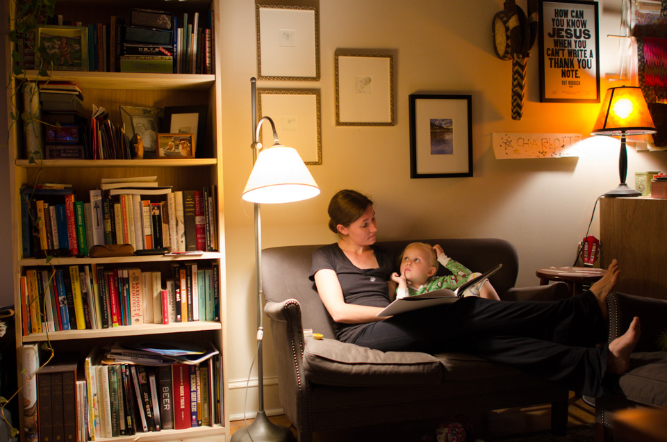 Maggie and Charlotte reading (2)